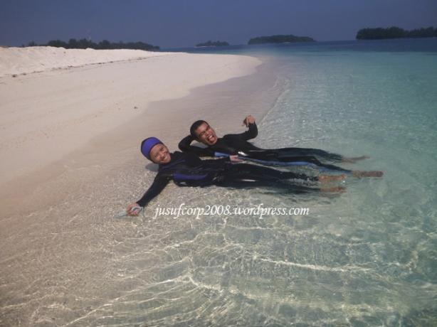 Bermain di Pulau Gosong