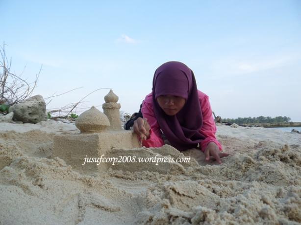 Bikin Istana Pasir